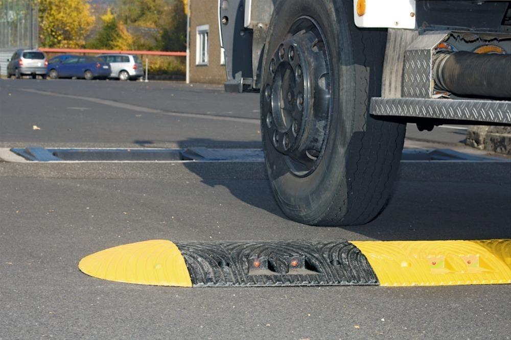 Fahrbahnschwelle NormelemTOPSTOP 5-RE, gelb STRECKE Bild 1
