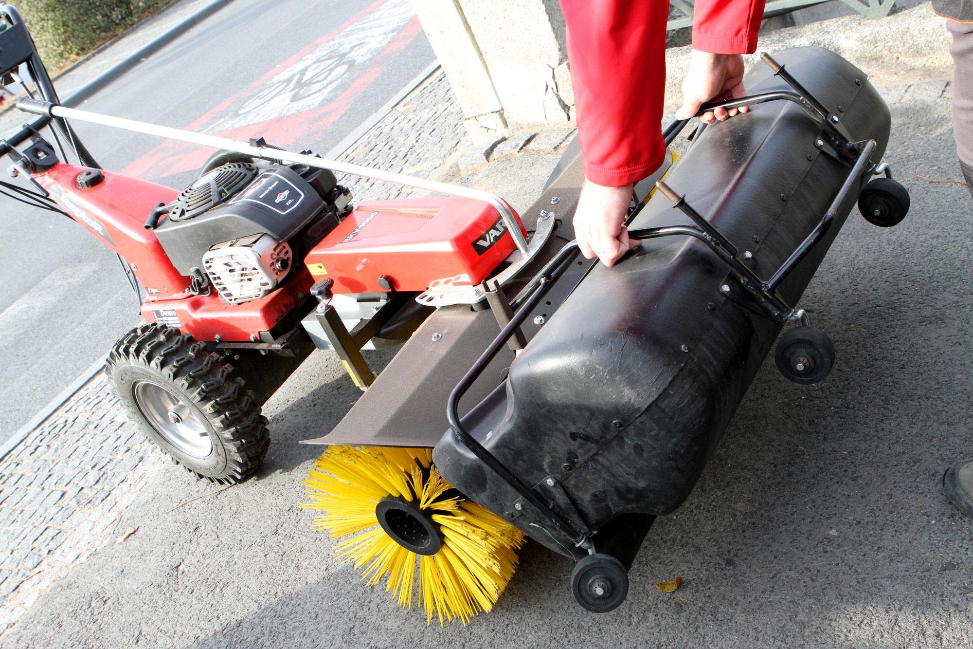 Anbau Kehrbürste RKV 1000 für Motoreinachser Raptor Breite 100cm Bild 7