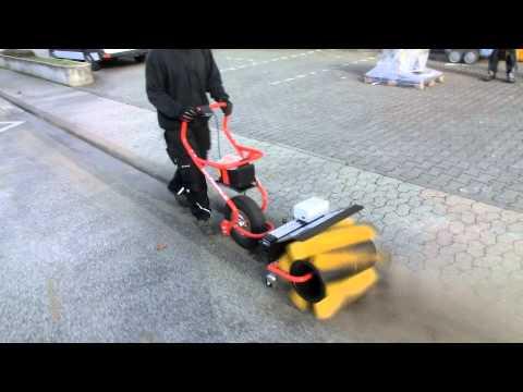 Powerpac Kehrbesen 50cm für Elekto-Schneeräumer ES230 Video Screenshot 57